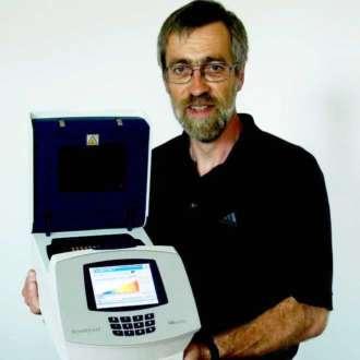 Geschäftsführer: Dipl. Phys. Jörg Schrader